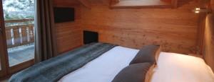 Chambre double au 2è niveau du chalet